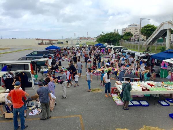 【米軍基地のフリマ】浦添市のキャンプキンザーのフリーマーケットに行ってきた。
