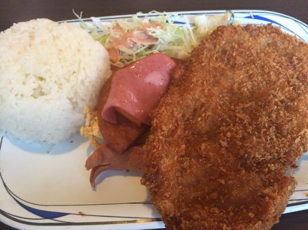 那覇市泊の58号線沿い「軽食の店ルビー」でBランチ食べて腹いっぱい。