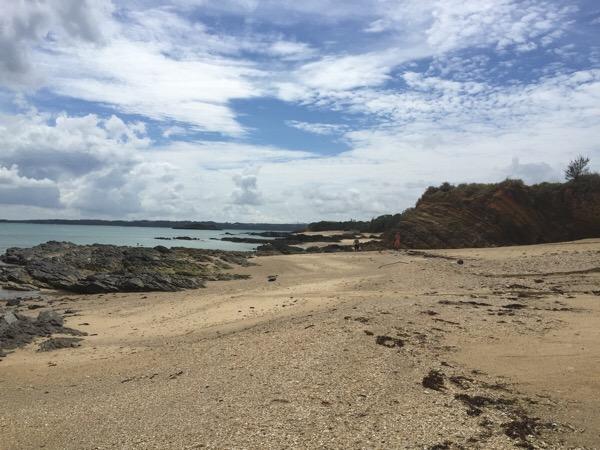 【沖縄でビーチコーミング】辺野古のシーグラスビーチでシーグラス(ビーチグラス)拾い