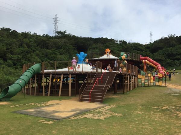 県営中城公園は食べ物飲み物大量持参で行くべし。