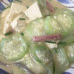 浦添市の「はつみ食堂」でへちまのみそ煮食べた。