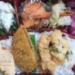 北谷町ニライセンター向かいの「炒炒(チャオチャオ)」で弁当買った。