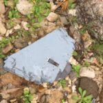 貝拾いしてたらオスプレイの残骸が落ちてた。